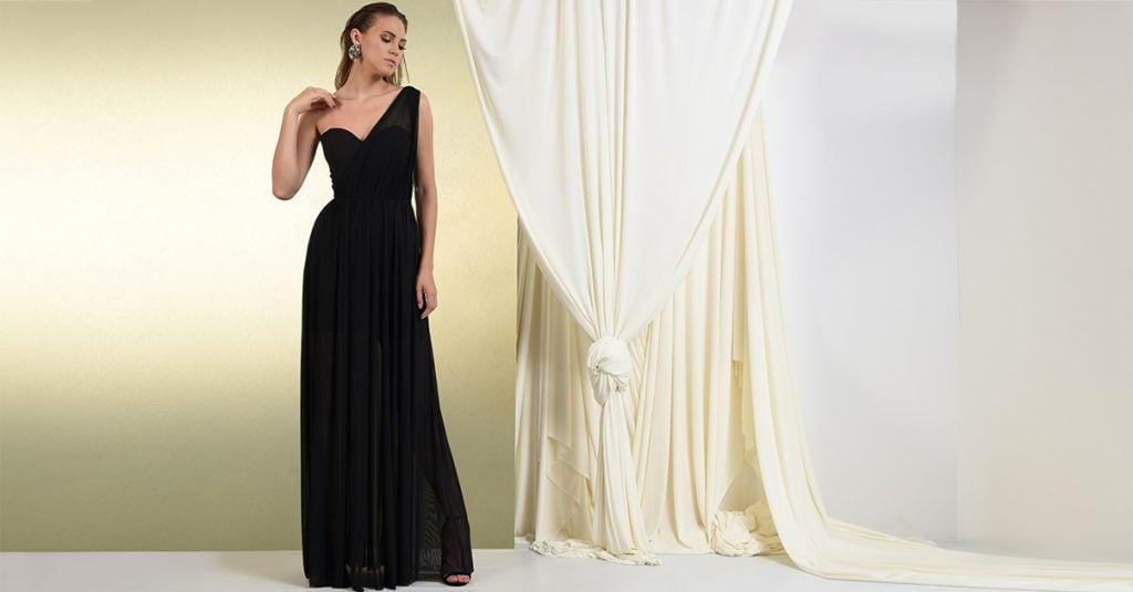 Rochie lunga eleganta cu drapaj