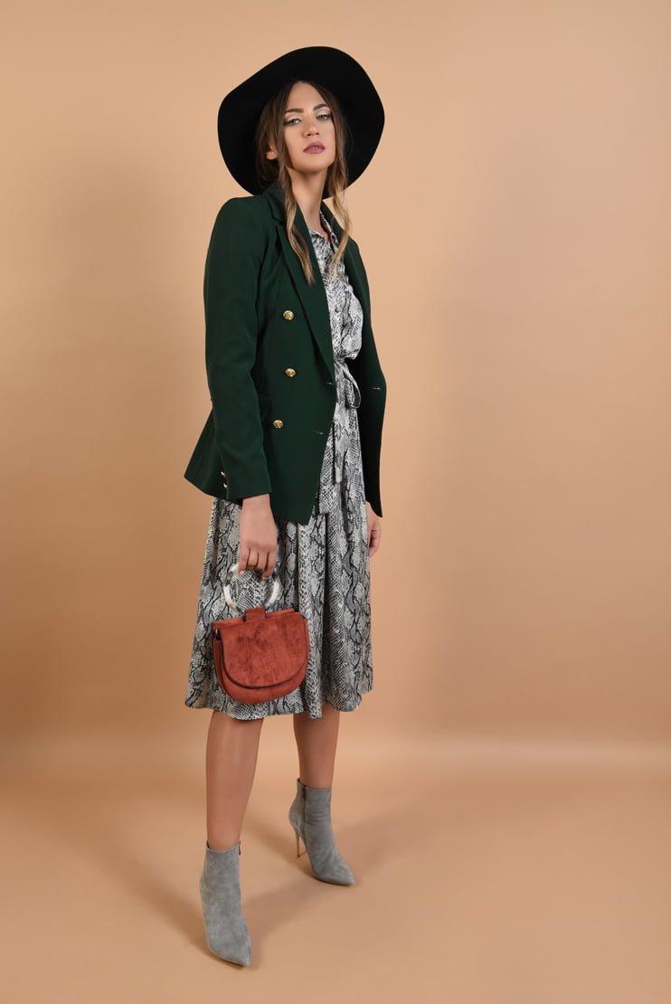 Jacheta casual si rochie cu efect piele de sarpe