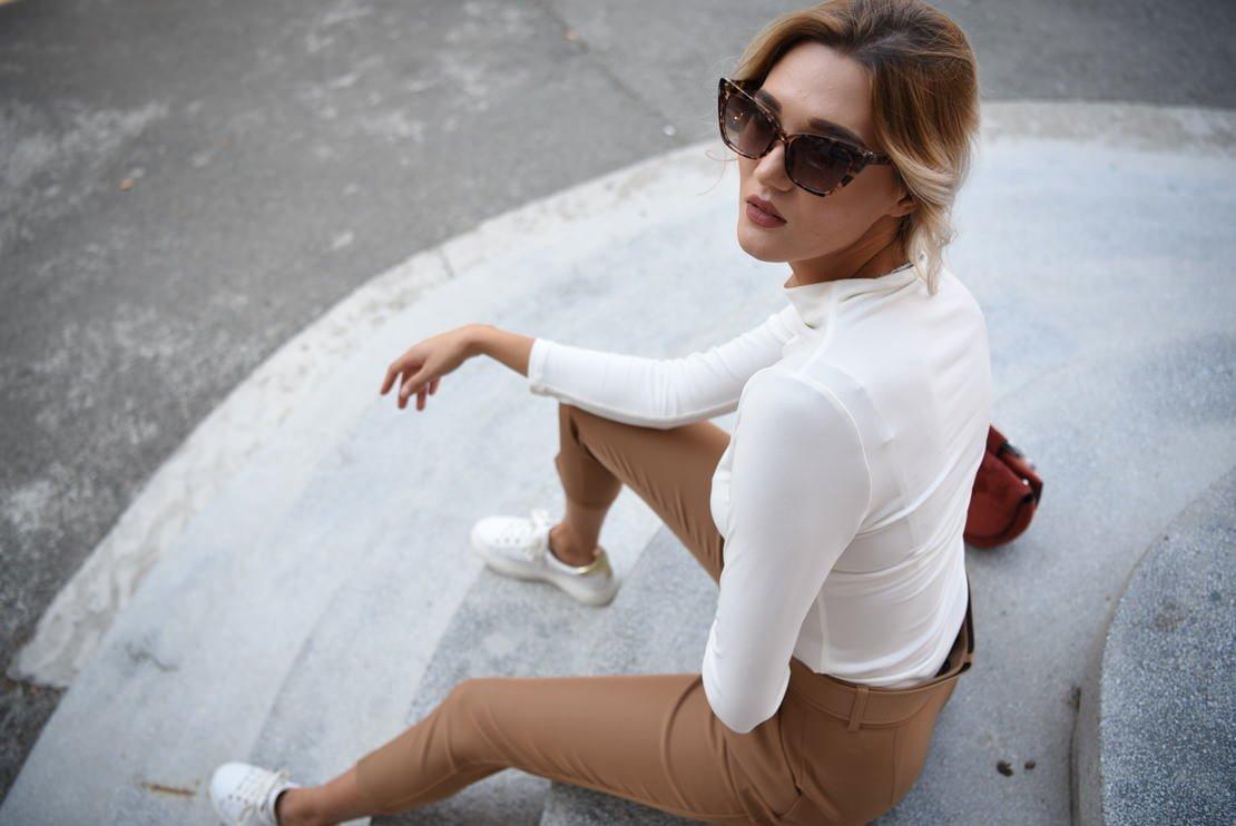 Pantaloni cu centura si bluza basic