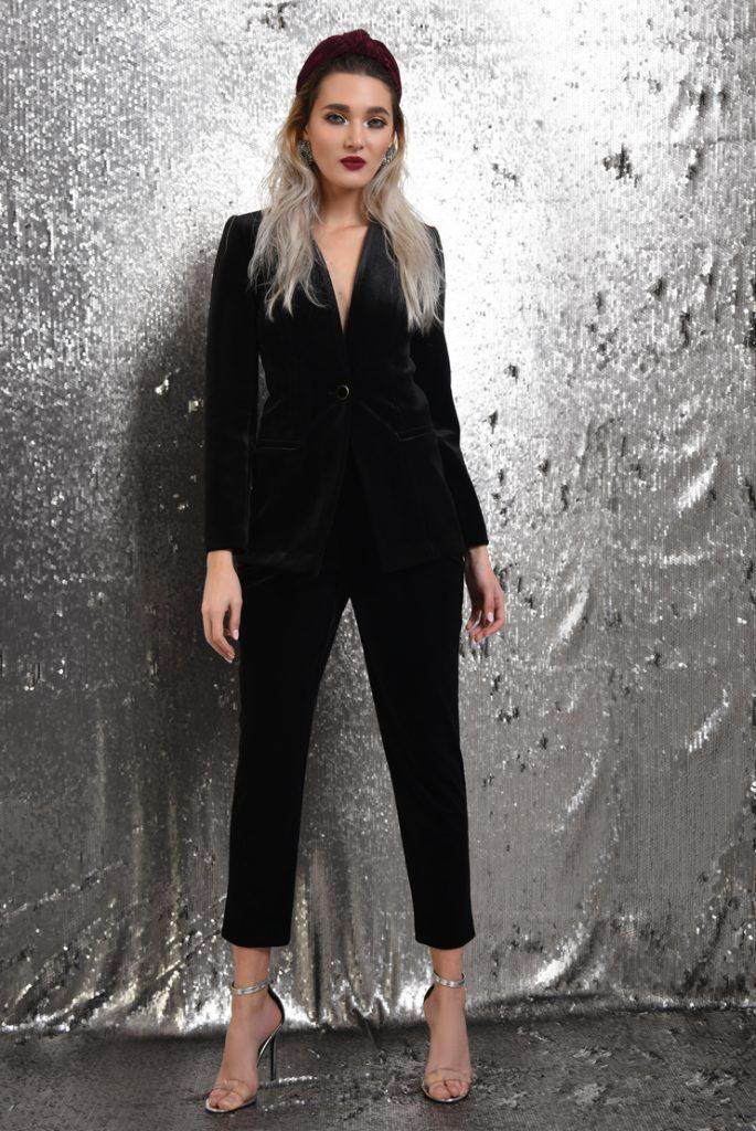 Costum elegant din velur negru