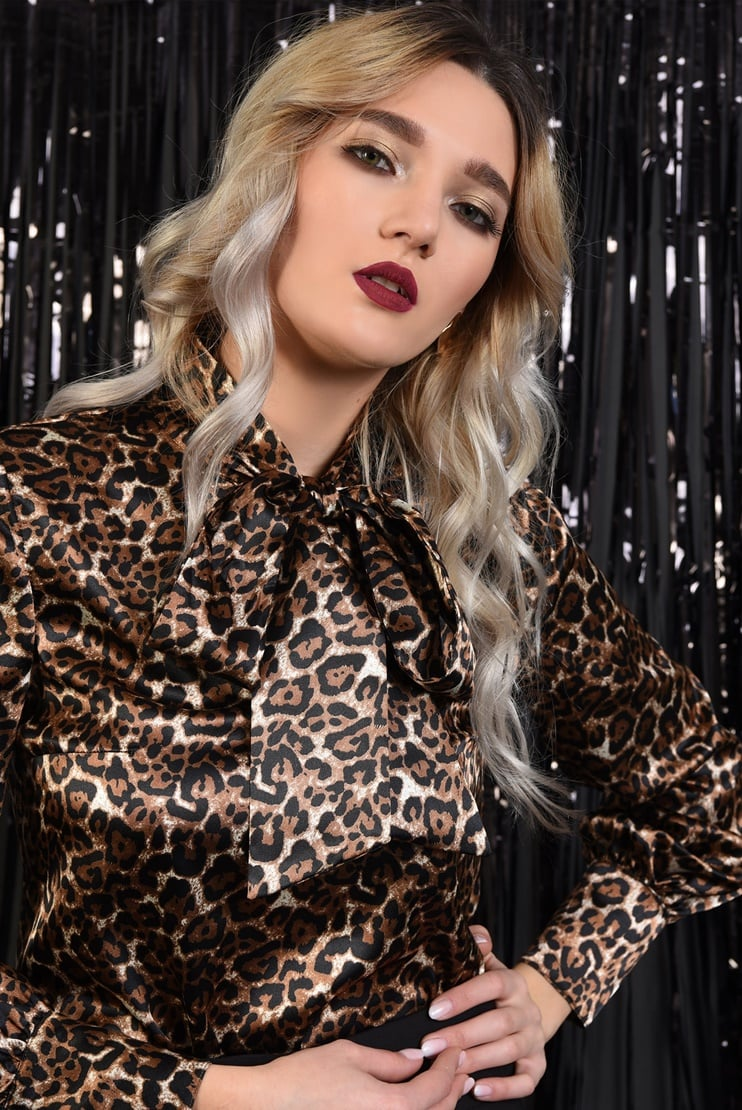 Bluza eleganta din satin animal print