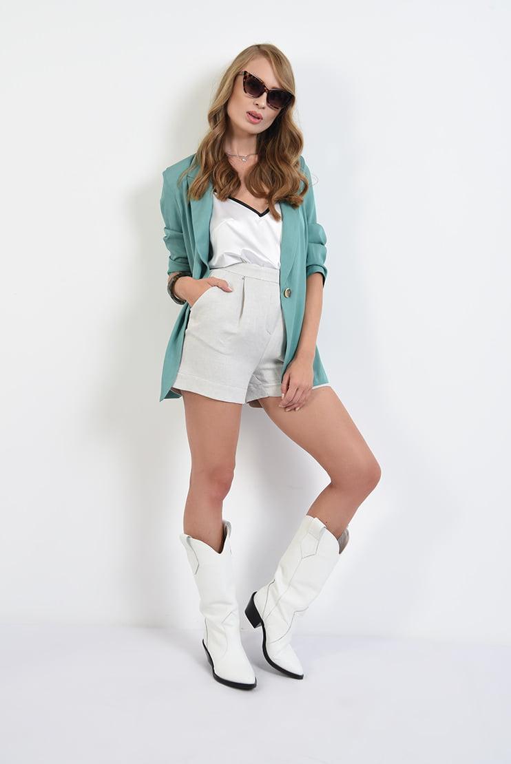 Outfit de vara cu pantaloni din in si top satinat