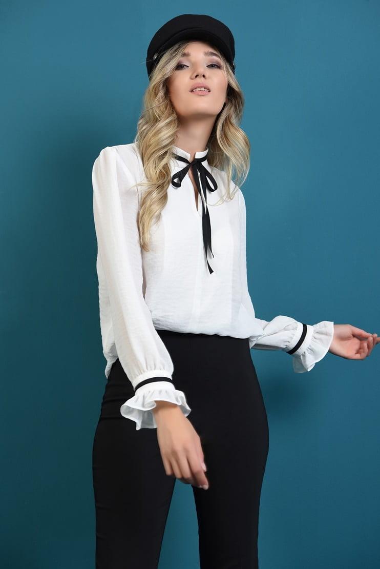 Bluza alb-negru si pantaloni basic