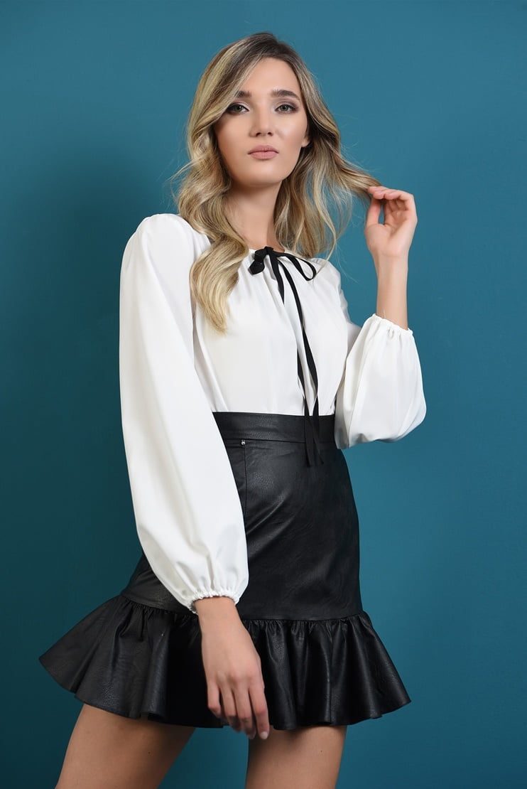 Bluza alba casual cu funda slim neagra