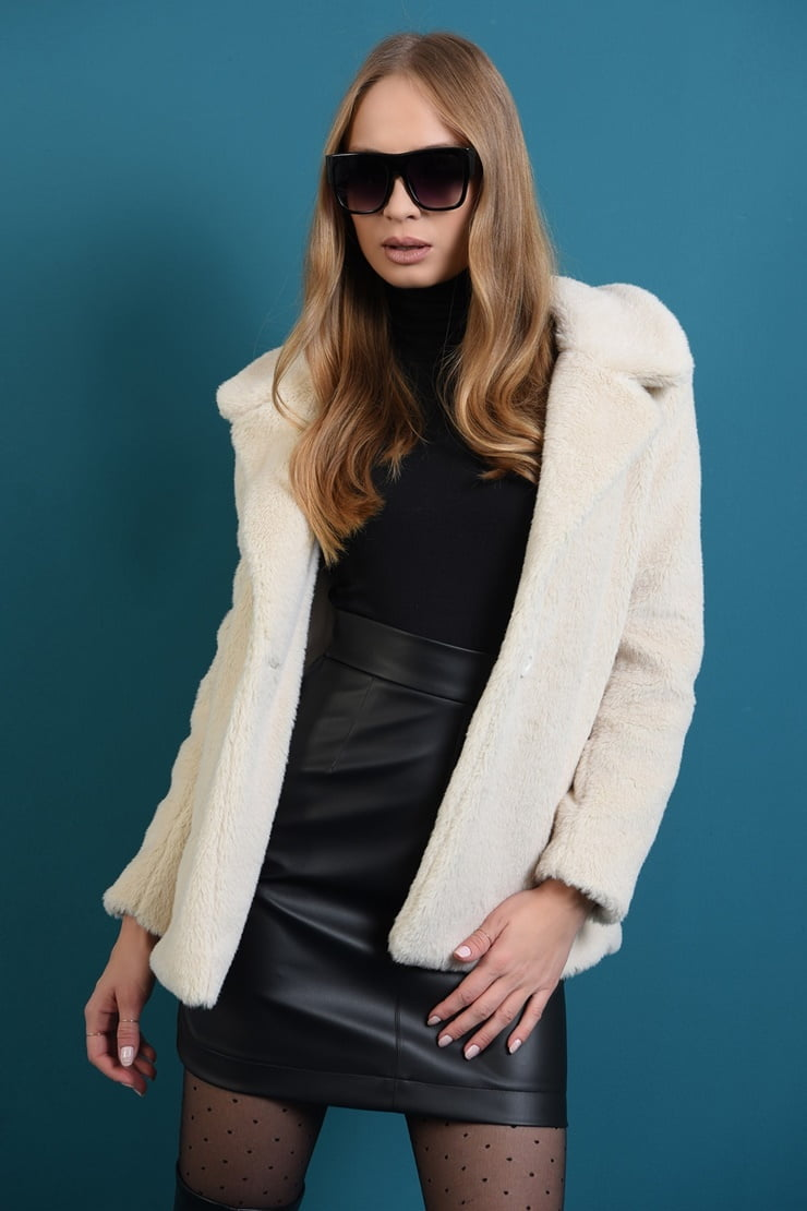 Jacheta din blana ivoar cu revere