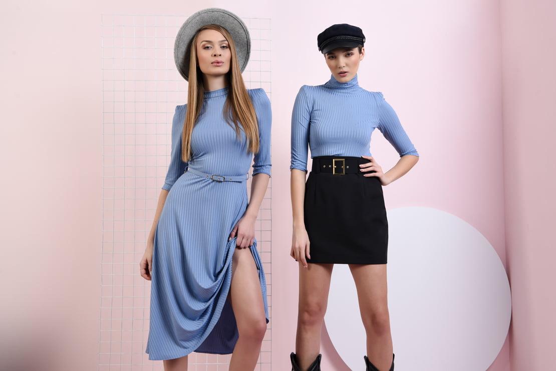 Rochie bleu cu curea si maleta cu maneca scurta
