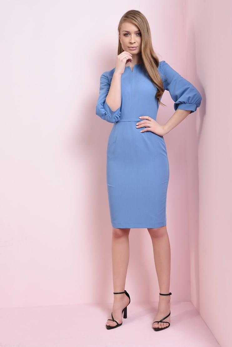 Rochie conica albastra cu detaliu la decolteu