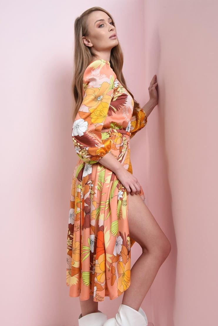 Rochie midi cu imprimeu floral si curea