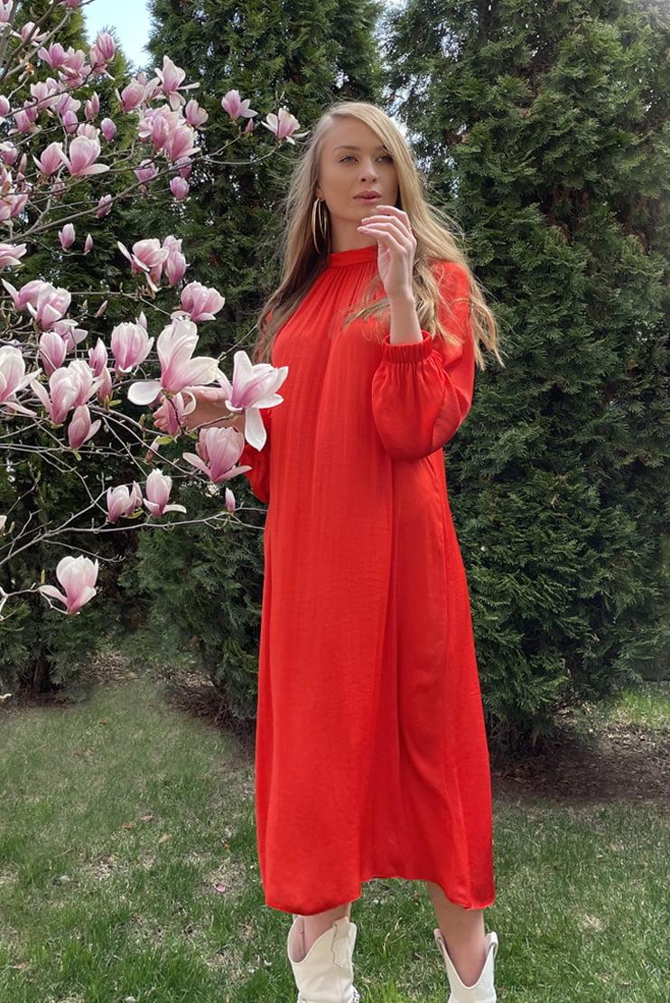 Rochie rosie midi cu croi lejer