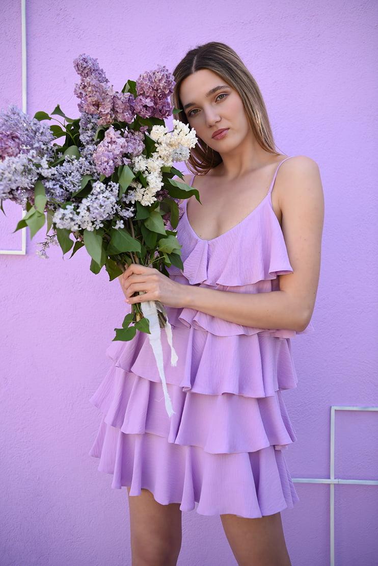 Rochie lila cu bretele fine si volane