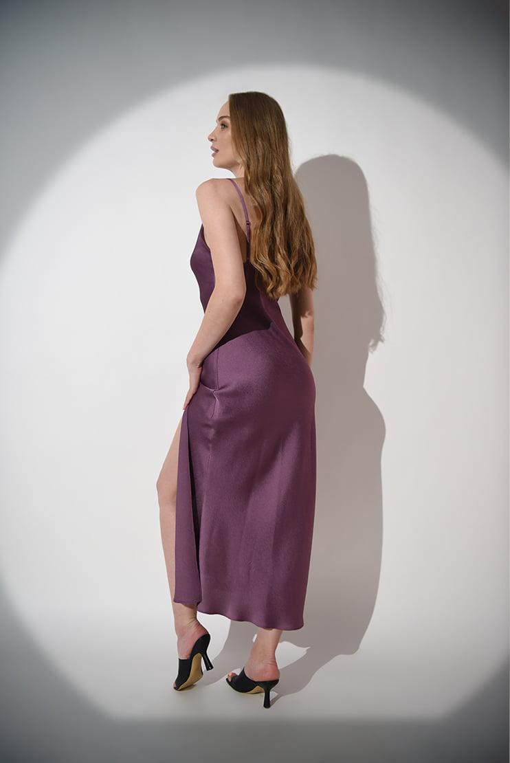 Rochie din satin cu slit