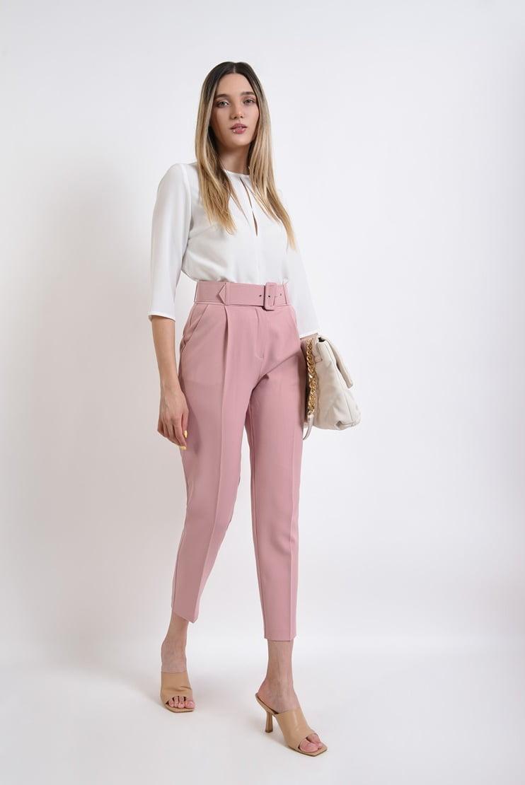 Pantaloni roz cu centura
